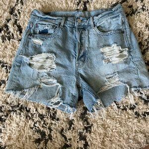 90's boyfriend shorts